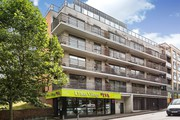 2 Bed Apartment for sale in Denmark Hill,  Camberwell for £450, 000